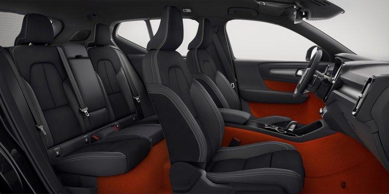 2018-volvo-xc40-213048_New-Volvo-XC40-interior.jpg