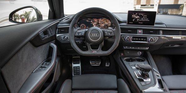 2018_Audi_RS4_052.jpg