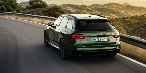 2018_Audi_RS4_181.jpg