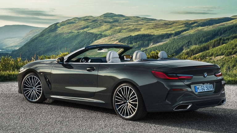 p90327660_highres_the-new-bmw-8-series.jpg