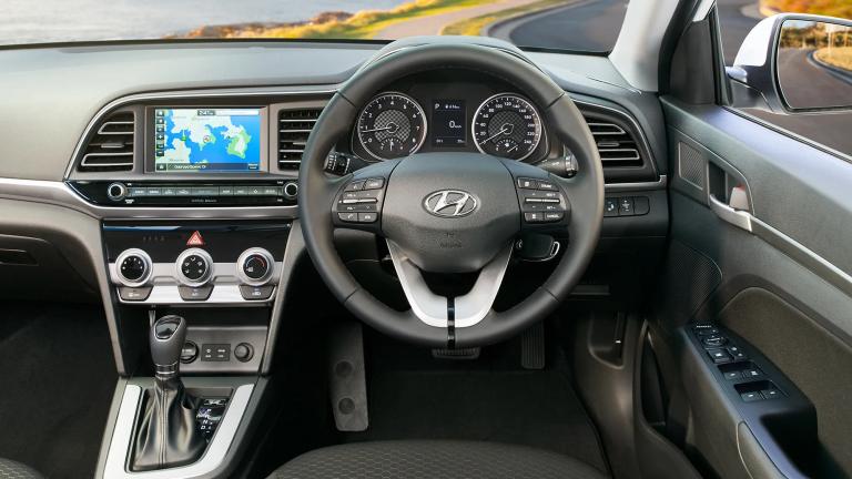 2019-Hyundai-Elantra-2019-Elantra-Active-09_btrass (1)