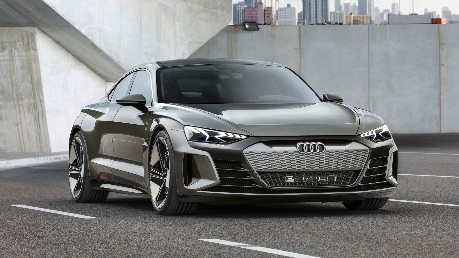 Audi E Tron Gt Concept Previews 2020 Electric Flagship Redline