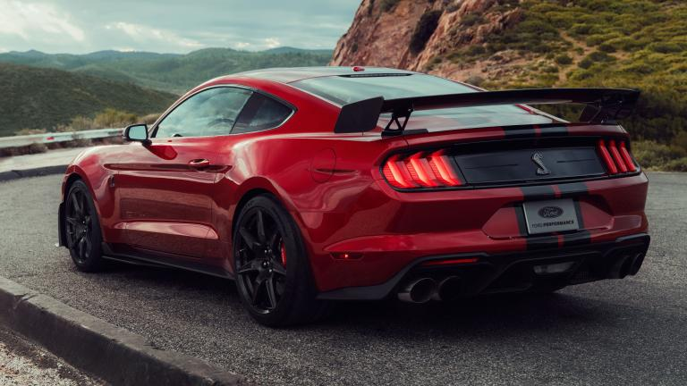 ford-mustang-gt500-rear_xp5smq