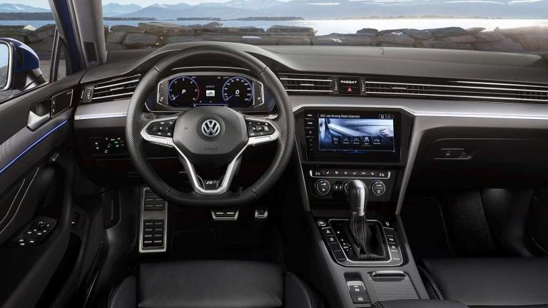 2020-Volkswagen-Passat-R-Line-DB2019AU00123_large_qeveub