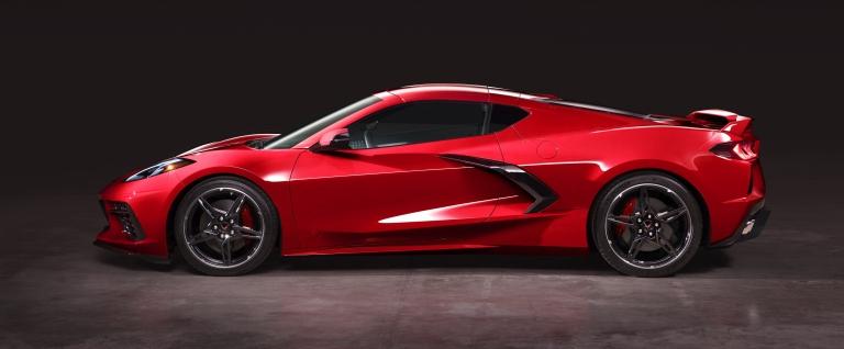 2020-chevrolet-corvette-stingray-043.jpg