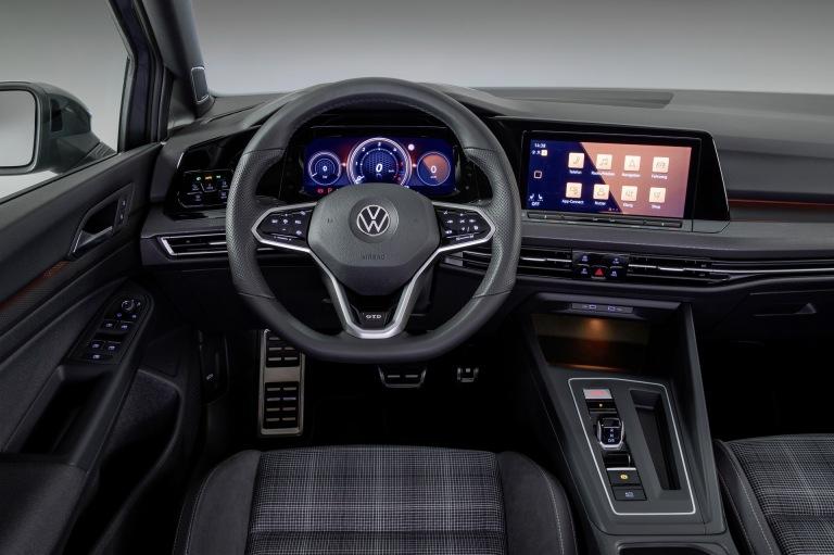 2020-VW-Golf-GTD-06