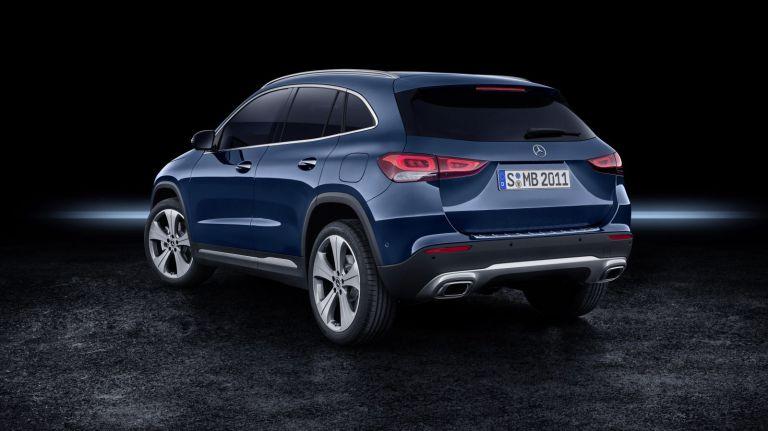 2020-Mercedes-Benz-GLA-19C0968_005