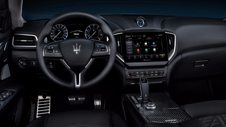 Alternative_18_Maserati_Ghibli_Hybrid
